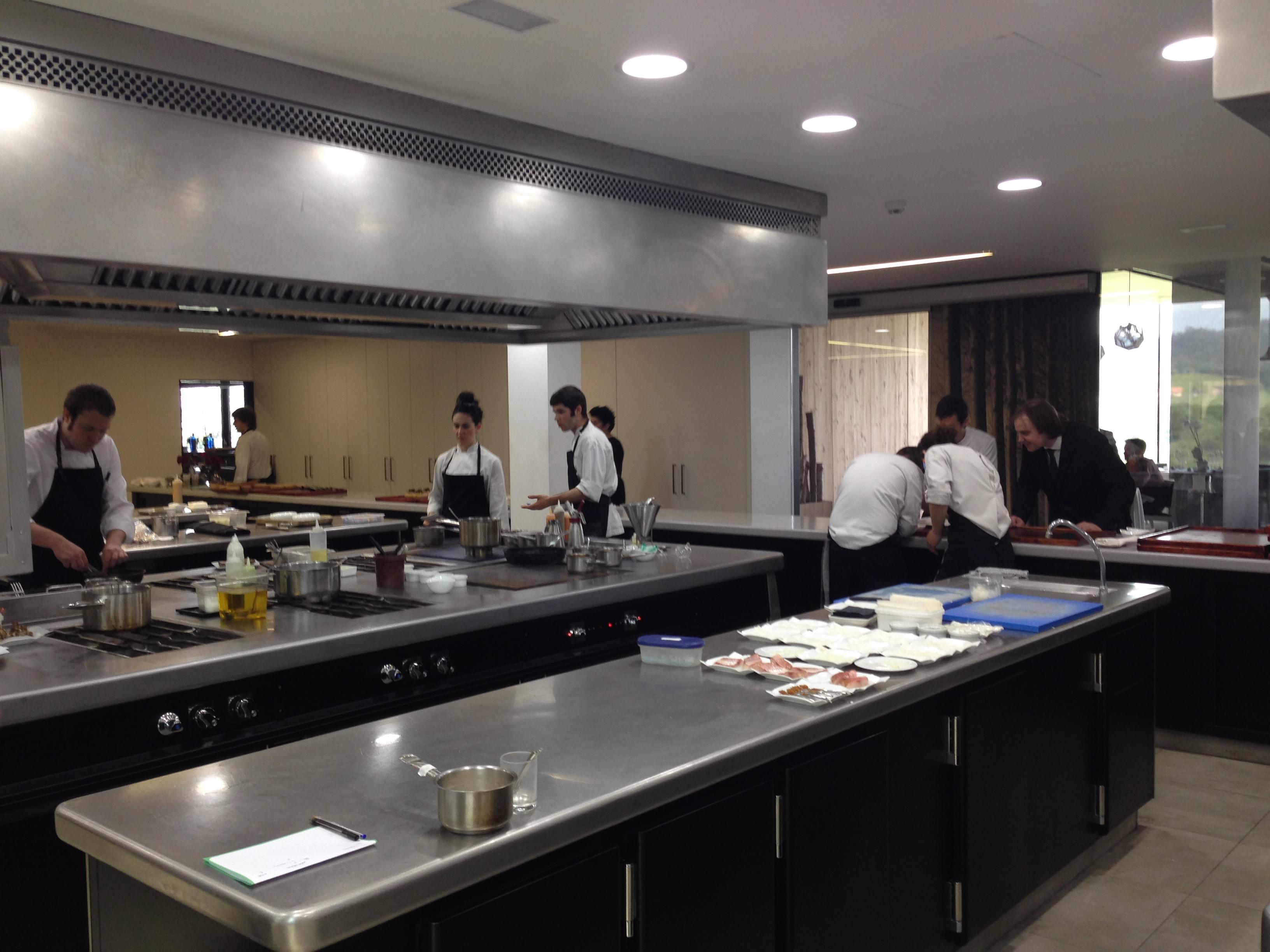 Azurmendi cocina 2 dime un restaurante - Restaurante singapur valencia ...